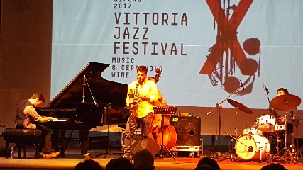 http://www.ragusanews.com//immagini_articoli/20-06-2017/vittoria-jazz-fest-virtuosismi-marco-mezquida-240.jpg