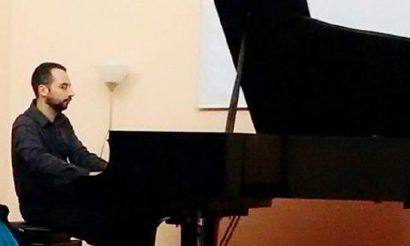 https://www.ragusanews.com//immagini_articoli/20-06-2018/concerto-salvatore-midolo-modica-500.jpg