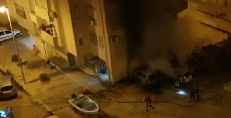 https://www.ragusanews.com//immagini_articoli/20-06-2019/a-fuoco-due-auto-a-pozzallo-500.png