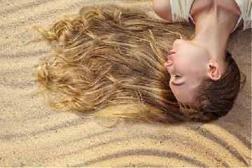 https://www.ragusanews.com//immagini_articoli/20-06-2019/cura-estiva-dei-capelli-consigli-e-raccomandazioni-240.jpg
