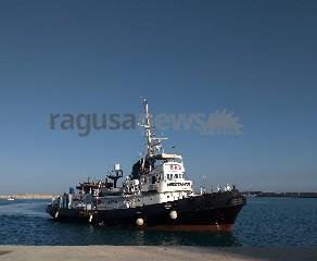 https://www.ragusanews.com//immagini_articoli/20-06-2020/67-migranti-sbarcano-a-pozzallo-240.jpg