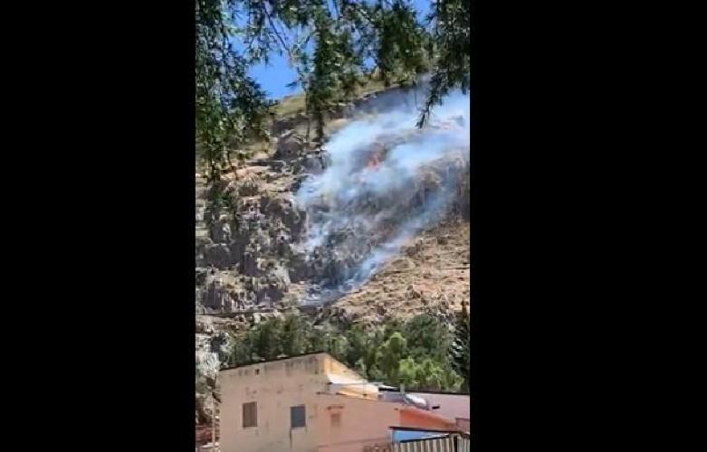 https://www.ragusanews.com//immagini_articoli/20-06-2020/sicilia-precipita-elicottero-schianto-ripreso-dal-cellulare-video-500.jpg