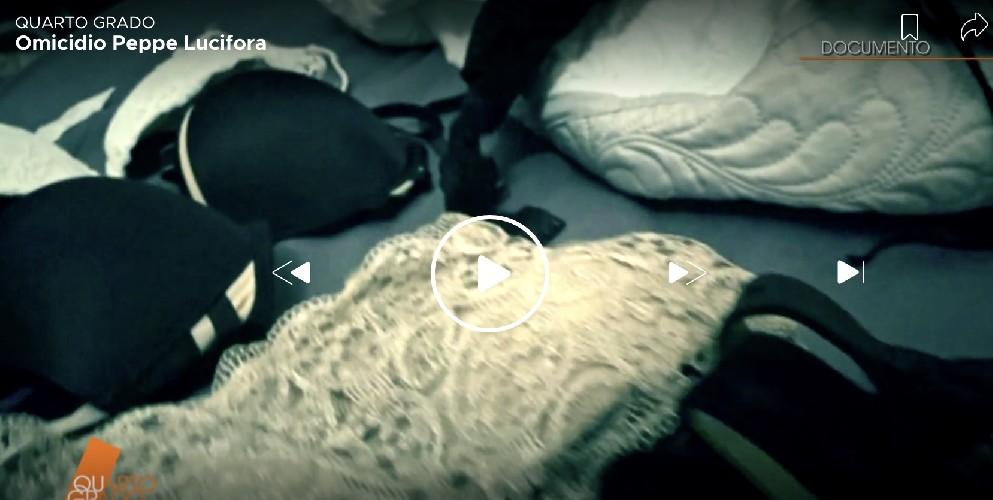 https://www.ragusanews.com//immagini_articoli/20-06-2020/tacchi-a-spillo-e-reggiseni-nella-stanza-dell-omicidio-lucifora-500.jpg