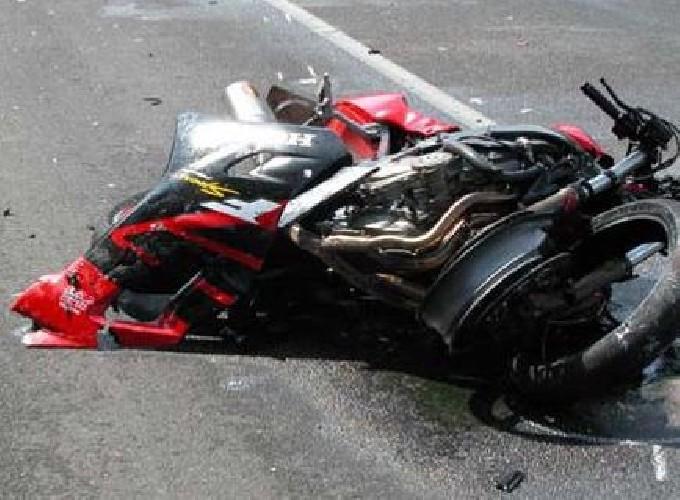 https://www.ragusanews.com//immagini_articoli/20-06-2021/incidente-nel-ragusano-muore-ragazzo-di-24-anni-a-bordo-di-una-moto-500.jpg