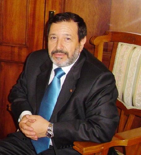 https://www.ragusanews.com//immagini_articoli/20-07-2007/tutti-contro-manno-500.jpg