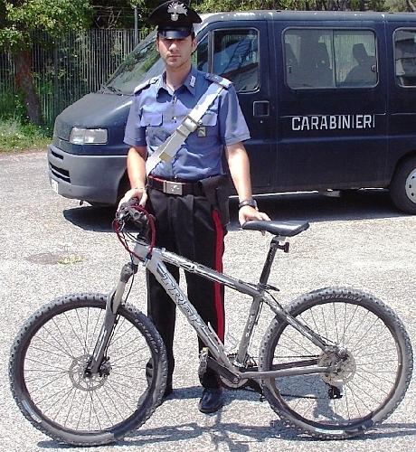https://www.ragusanews.com//immagini_articoli/20-07-2015/ladri-di-biciclette-500.jpg