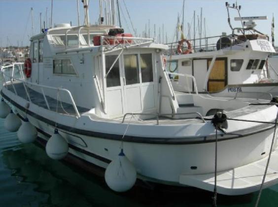 https://www.ragusanews.com//immagini_articoli/20-07-2016/la-motobarca-ragusa-1-trasferita-a-pozzallo-420.jpg