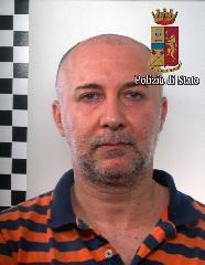 http://www.ragusanews.com//immagini_articoli/20-07-2017/mafia-droga-arrestati-giuseppe-fortunato-bruno-terra-240.jpg