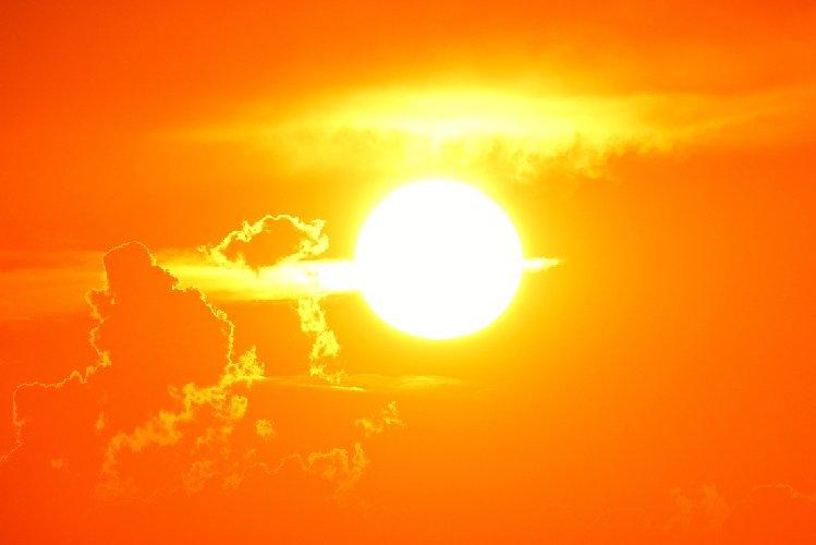 https://www.ragusanews.com//immagini_articoli/20-07-2018/allerta-comune-catania-previste-ondate-anomale-calore-500.jpg