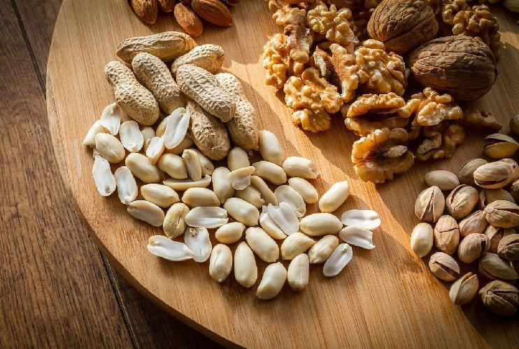 https://www.ragusanews.com//immagini_articoli/20-07-2019/la-frutta-secca-e-diabete-57-gr-riducono-il-tasso-glicemico-500.jpg