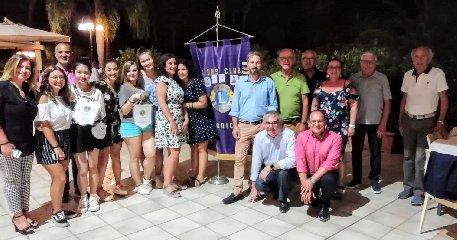 https://www.ragusanews.com//immagini_articoli/20-07-2019/lions-studenti-di-tre-nazioni-a-modica-240.jpg