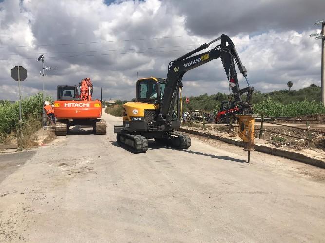 https://www.ragusanews.com//immagini_articoli/20-07-2020/si-demolisce-un-ponte-per-fare-cosa-dopo-500.jpg