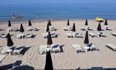 https://www.ragusanews.com//immagini_articoli/20-07-2021/sempre-meno-spiagge-libere-in-sicilia-boom-delle-concessioni-280.jpg