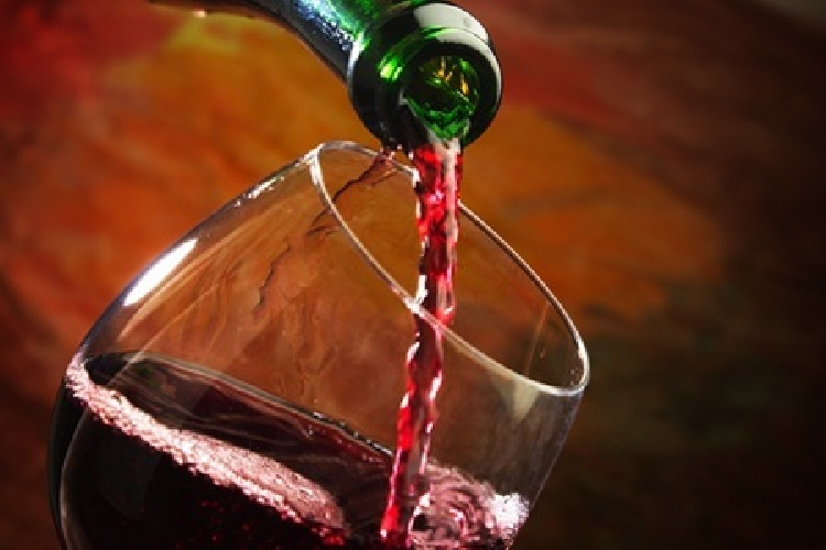 https://www.ragusanews.com//immagini_articoli/20-08-2015/a-scicli-un-serata-a-tema-sul-vino-500.jpg