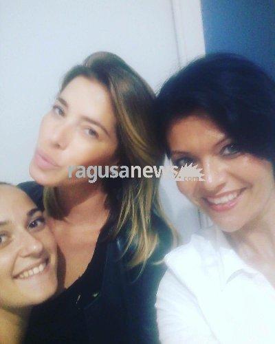 https://www.ragusanews.com//immagini_articoli/20-08-2018/aida-yespica-varcuzza-donnalucata-passaggio-500.jpg