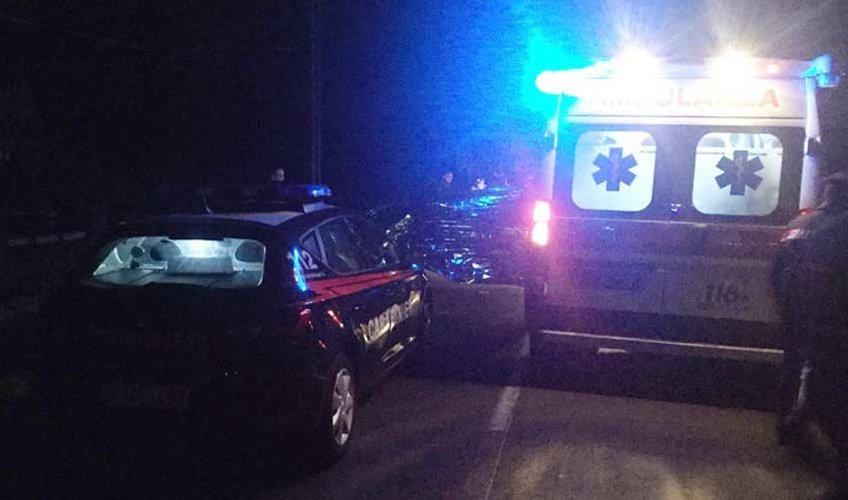 https://www.ragusanews.com//immagini_articoli/20-08-2018/auto-camion-morto-feriti-catania-gela-500.jpg