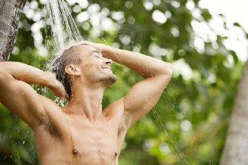 https://www.ragusanews.com//immagini_articoli/20-08-2018/messina-medico-scrisse-lavatevi-prima-entrare-studio-240.jpg