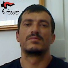 https://www.ragusanews.com//immagini_articoli/20-08-2018/scicli-arrestato-pluripregiudicato-albanese-240.jpg
