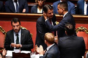 https://www.ragusanews.com//immagini_articoli/20-08-2019/il-premier-conte-salvini-ha-ostacolato-la-ragusa-catania-240.jpg