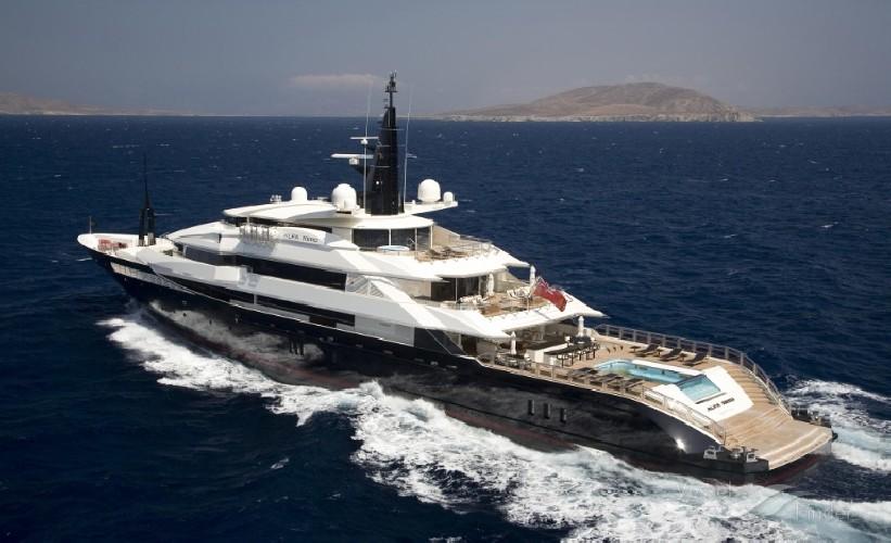 https://www.ragusanews.com//immagini_articoli/20-08-2020/yacht-in-sicilia-e-arrivato-l-alfa-nero-amato-da-beyonce-e-bill-gates-500.jpg