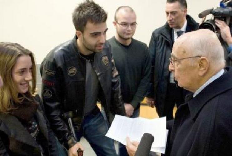 https://www.ragusanews.com//immagini_articoli/20-09-2011/studenti-ragusani-attesi-da-giorgio-napolitano-al-quirinale-500.jpg