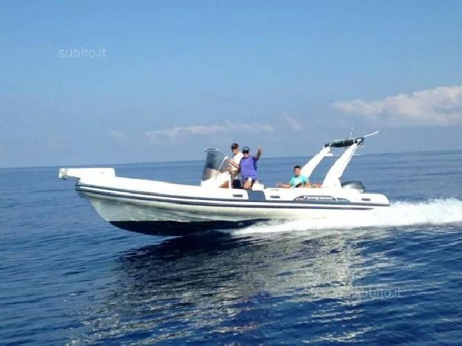 http://www.ragusanews.com//immagini_articoli/20-09-2015/rubato-un-gommone-al-porto-di-marina-500.jpg