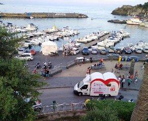 https://www.ragusanews.com//immagini_articoli/20-09-2018/camper-amore-giro-sicilia-regala-dubai-business-class-240.jpg