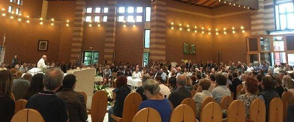 https://www.ragusanews.com//immagini_articoli/20-09-2019/celebrati-i-funerali-bambino-dimenticato-in-auto-240.jpg