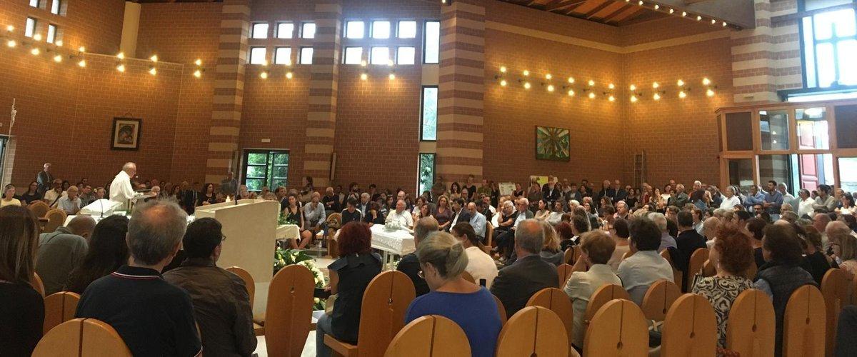 https://www.ragusanews.com//immagini_articoli/20-09-2019/celebrati-i-funerali-bambino-dimenticato-in-auto-500.jpg
