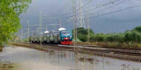 https://www.ragusanews.com//immagini_articoli/20-09-2019/piove-saltano-i-treni-gela-modica-siracusa-240.jpg