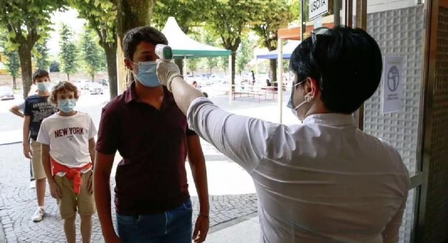 https://www.ragusanews.com//immagini_articoli/20-09-2020/da-marzo-mai-cosi-tanti-contagi-in-sicilia-preoccupa-palermo-500.jpg