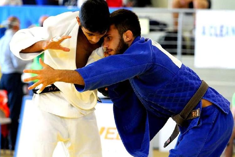 https://www.ragusanews.com//immagini_articoli/20-09-2021/1632146486-vincenzo-pelligra-il-18enne-judoka-sciclitano-convocato-ai-mondiali-foto-1-500.jpg