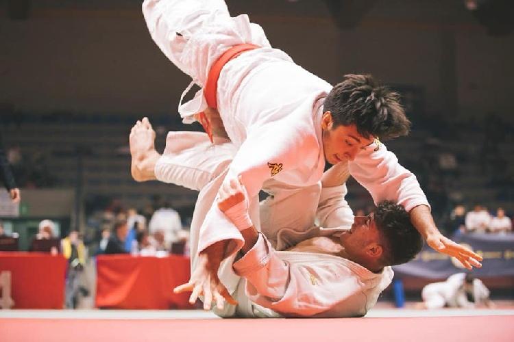 https://www.ragusanews.com//immagini_articoli/20-09-2021/1632146488-vincenzo-pelligra-il-18enne-judoka-sciclitano-convocato-ai-mondiali-foto-2-500.jpg