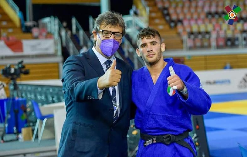 https://www.ragusanews.com//immagini_articoli/20-09-2021/1632146495-vincenzo-pelligra-il-18enne-judoka-sciclitano-convocato-ai-mondiali-foto-5-500.jpg
