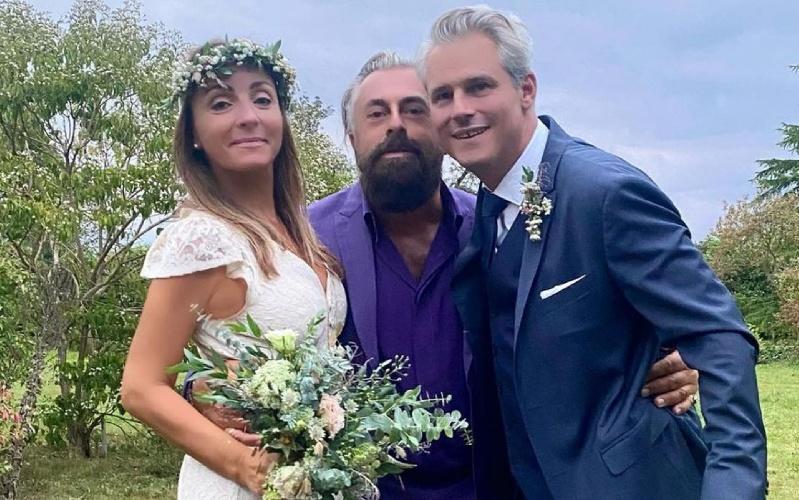 https://www.ragusanews.com//immagini_articoli/20-09-2021/camila-raznovich-ha-sposato-l-imprenditore-francese-loic-fleury-500.jpg