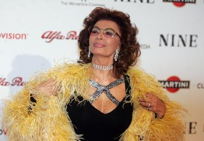https://www.ragusanews.com//immagini_articoli/20-09-2021/sophia-loren-la-diva-italiana-compie-87-anni-280.jpg