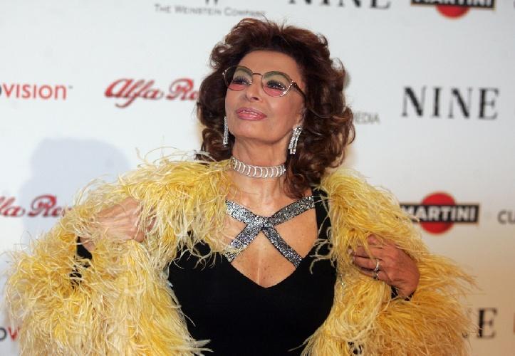 https://www.ragusanews.com//immagini_articoli/20-09-2021/sophia-loren-la-diva-italiana-compie-87-anni-500.jpg
