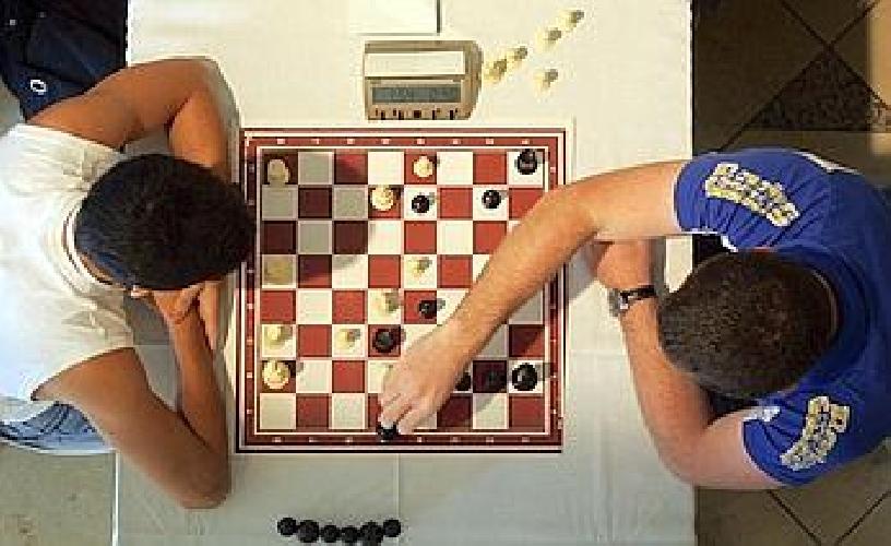 https://www.ragusanews.com//immagini_articoli/20-10-2011/tutti-gli-scacchisti-siciliani-a-ragusa-500.jpg