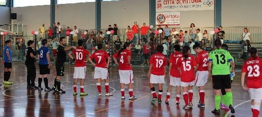 http://www.ragusanews.com//immagini_articoli/20-10-2014/il-vittoria-sporting-batte-il-cefalu-240.jpg