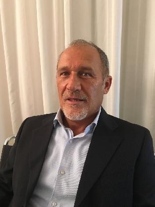 https://www.ragusanews.com//immagini_articoli/20-10-2016/maurizio-attinelli-candidato-alla-guida-dei-commerciaisti-iblei-420.jpg