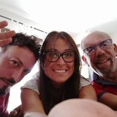 http://www.ragusanews.com//immagini_articoli/20-10-2017/pigiama-sitcom-tele-iblea-240.jpg