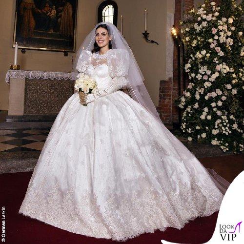 https://www.ragusanews.com//immagini_articoli/20-10-2020/1603196962-ecco-gli-abiti-della-famiglia-berlusconi-al-matrimonio-di-luigi-2-500.jpg