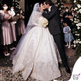 https://www.ragusanews.com//immagini_articoli/20-10-2020/1603196972-ecco-gli-abiti-della-famiglia-berlusconi-al-matrimonio-di-luigi-1-280.jpg