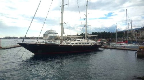 https://www.ragusanews.com//immagini_articoli/20-10-2020/yacht-arriva-in-sicilia-il-principessa-vaivia-che-fu-di-berlusconi-280.jpg