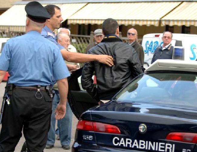 https://www.ragusanews.com//immagini_articoli/20-11-2011/resistenza-ai-carabinieri-sette-mesi-per-marco-giunta-500.jpg