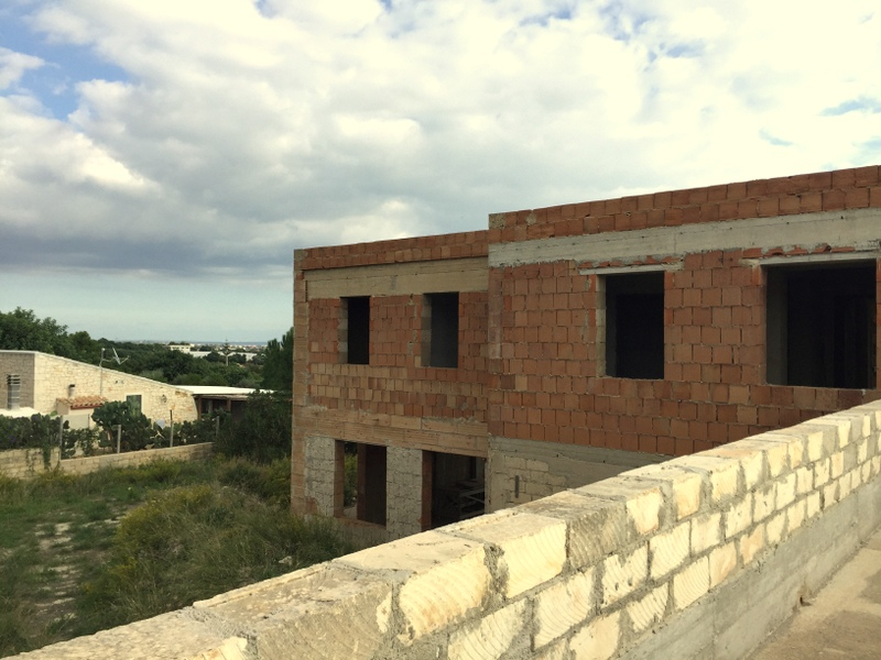 https://www.ragusanews.com//immagini_articoli/20-11-2016/1479652074-4-vendita-villa-panoramica-in-contrada-trippatore-sampieri.jpg