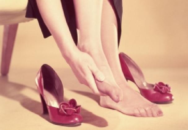 https://www.ragusanews.com//immagini_articoli/20-11-2016/tribunale-la-scarpa-stretta-e-il-piede-che-duole-420.jpg
