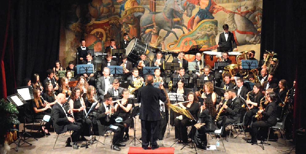 https://www.ragusanews.com//immagini_articoli/20-11-2018/concerto-santa-cecilia-modica-dedicato-tango-500.png