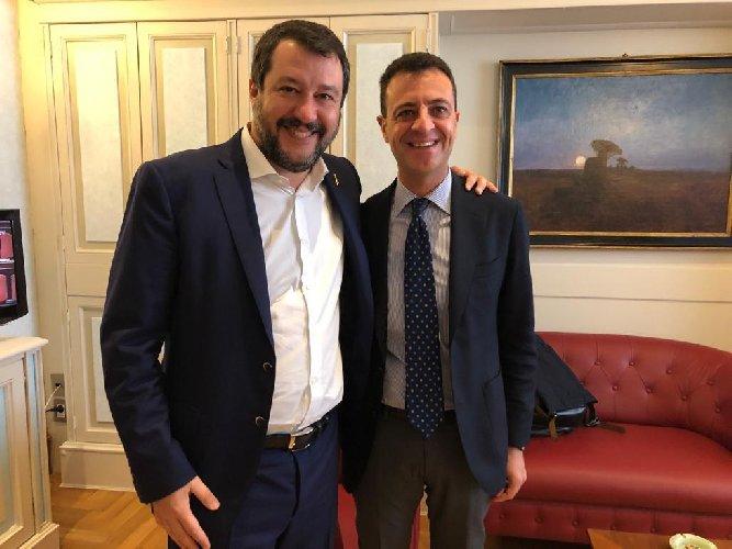 https://www.ragusanews.com//immagini_articoli/20-11-2019/l-on-nino-minardo-passa-con-la-lega-di-salvini-500.jpg