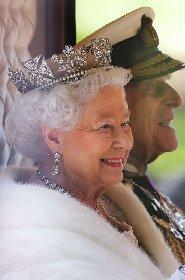 https://www.ragusanews.com//immagini_articoli/20-11-2020/1605880075-la-regina-elisabetta-ii-e-filippo-73-anni-di-matrimonio-in-isolamento-4-280.jpg